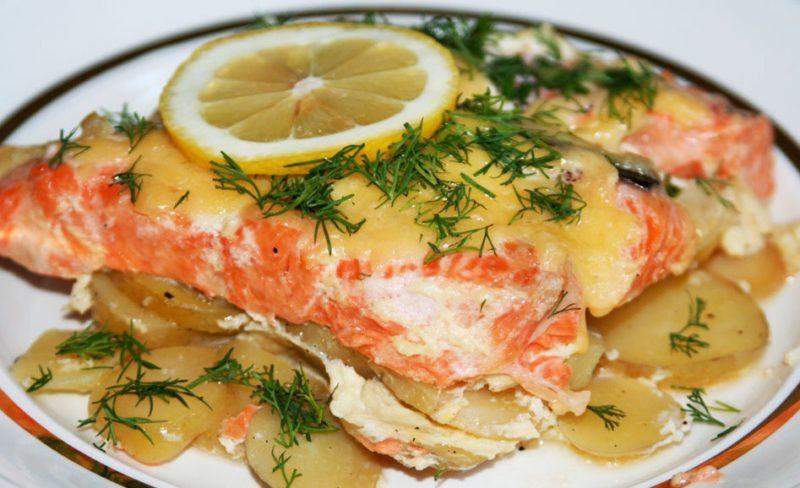 вкусная красная рыба в духовке