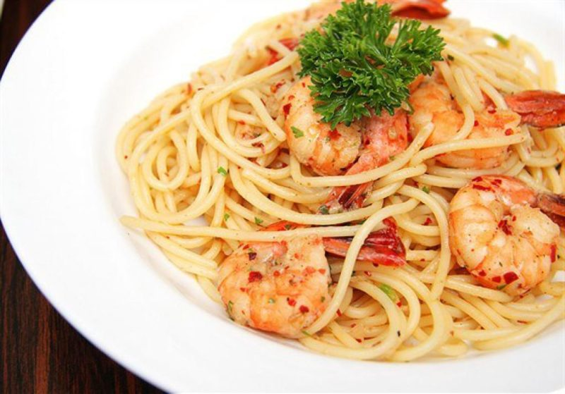 вкусные спагетти с креветками