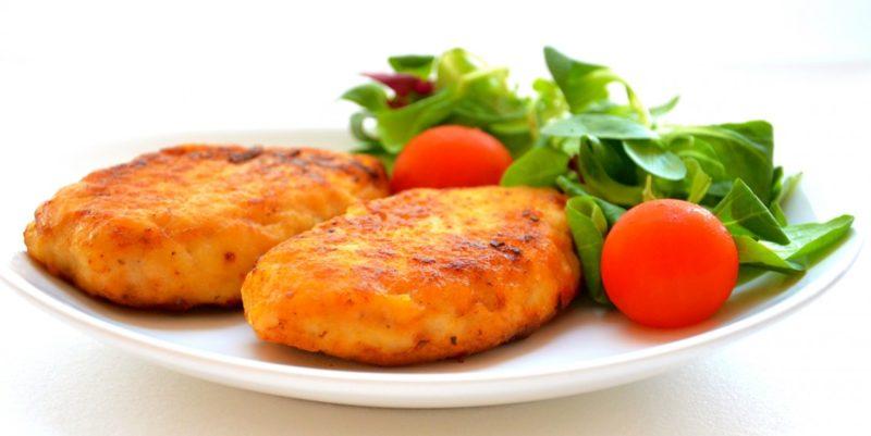как готовить куриные котлеты с сыром