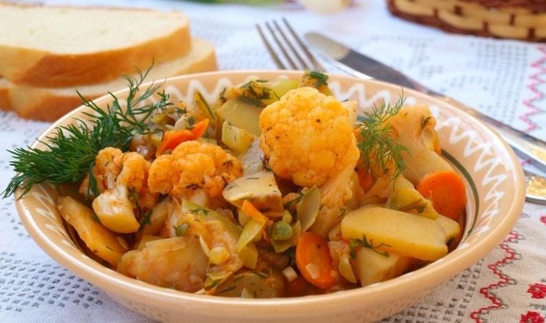 как готовить овощное рагу с картошкой