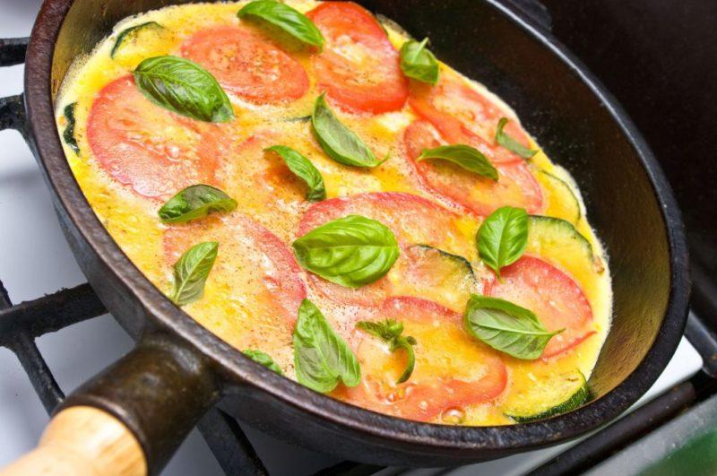 омлет с помидорами рецепт с фото