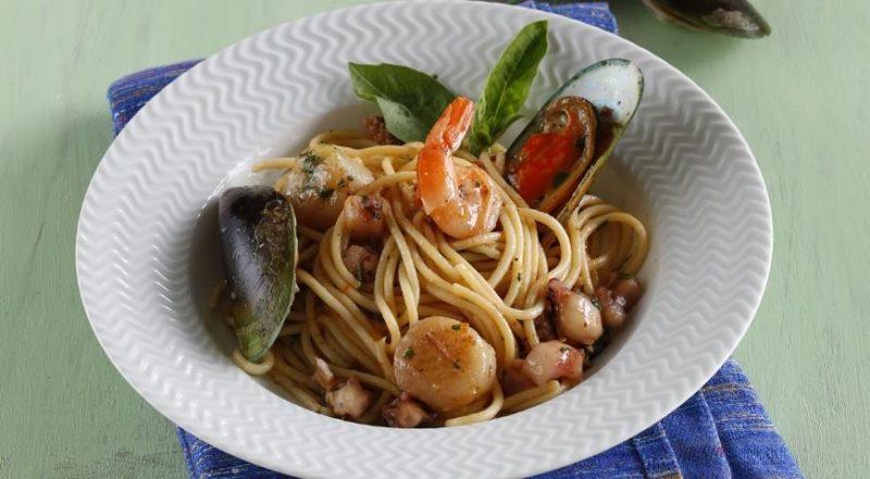 вкусная паста с морепродуктами
