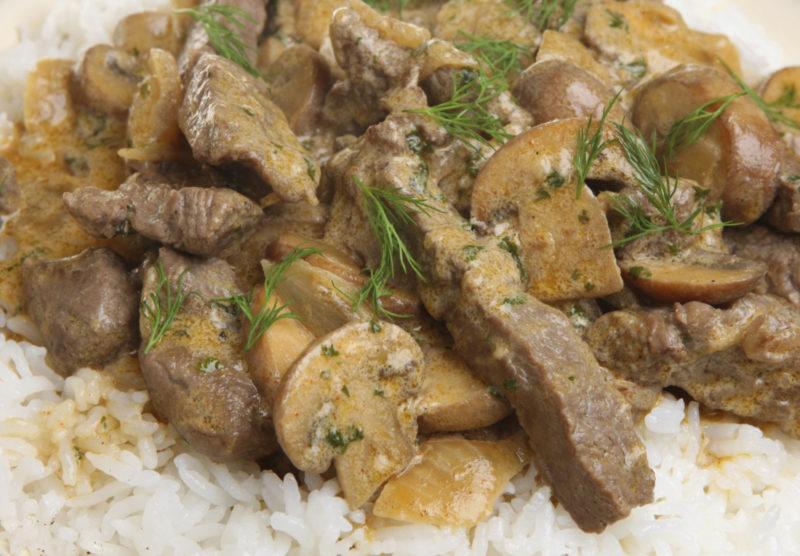 как готовить бефстроганов из свинины